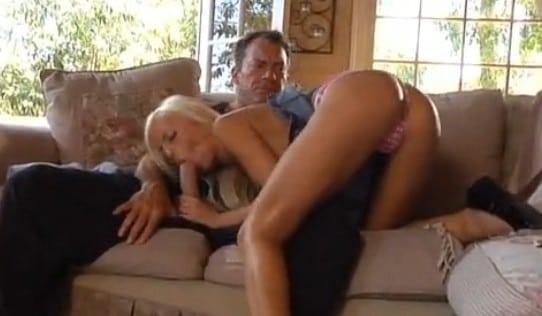 consigue lo que quiere de su padre