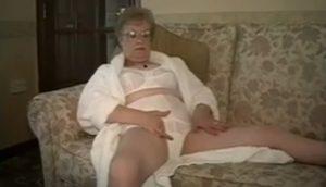 video relacionado tu abuela tambien se toca