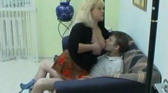 incesto en casa de su madre