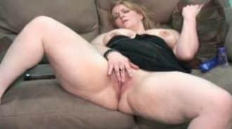 su tia se masturba delante de el