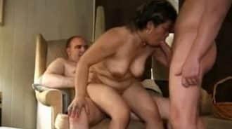 primera orgia con sus tios