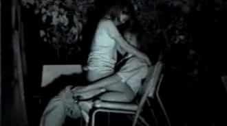 sexo entre hermanos en un parque publico