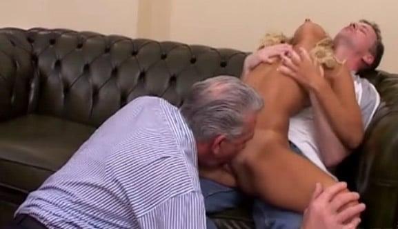 mi tio y mi abuelo saben como excitarme