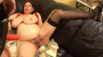 lesbiana follo a su abuela hasta que se corrio