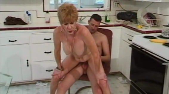 mi abuela cocina igual que folla, de puta madre