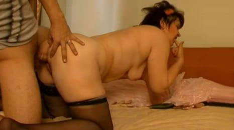 sexo con mi abuela en un hotel