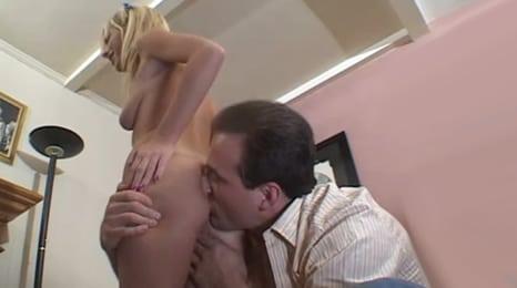 dilatacion anal a golpe de lengua