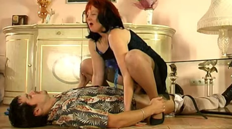 Video sexual de la abuela extened