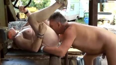 sexo con su madre de 72 años