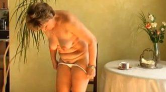 consigo que mi madre se masturbe para mi