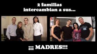 dos familias intercambian a sus madres