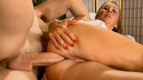 ¿quieres follarle el culo a tu tia de 53 años?