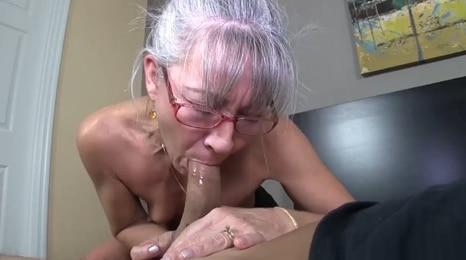 abuelita, abuelita, que boca mas grande tienes