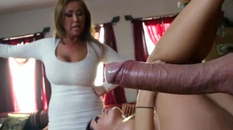 deja de follarte a mi marido y sal de aqui