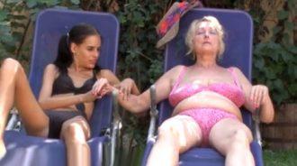 no podia dejar de mirarle el coño a mi abuela