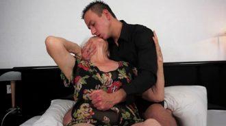 dejese llevar abuela, lo pasara bien…