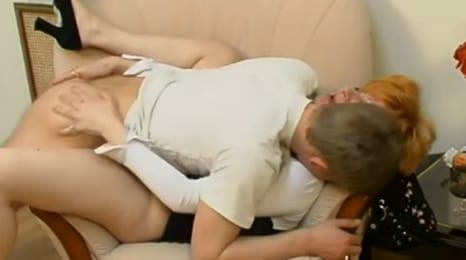entrando dentro de su tia borracha