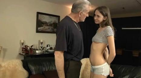 seduce a su padre para tener sexo anal