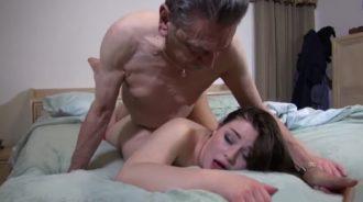 Corridas internas varias dentro de su nieta