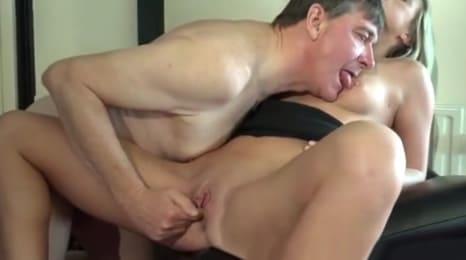 Vídeos Porno de Incesto