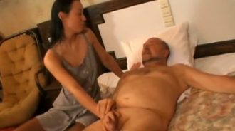 La hija solo quiere cuidar bien de su padre