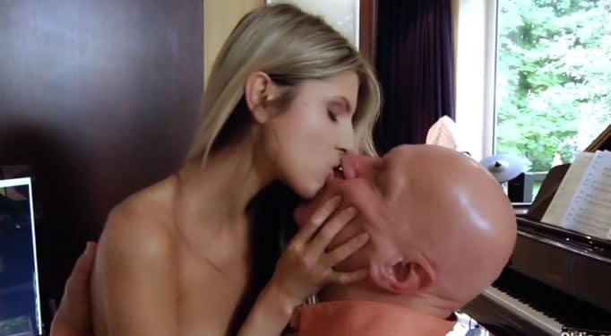 Sasha water bondage