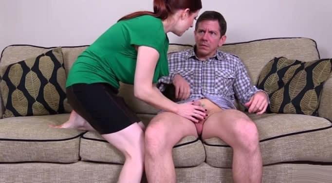 Su hermano parecía tonto, ella se lo folló a él