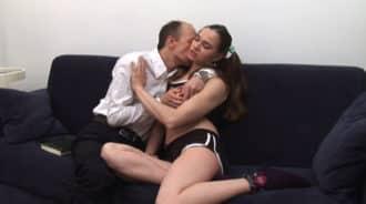 Padre degenerado obsesionado con su hija