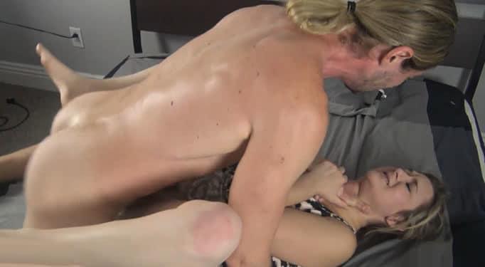 Su madre acabó llorando tras tener sexo con él