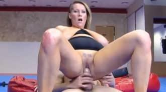 Enseñando a su hijastro lecciones de sexo