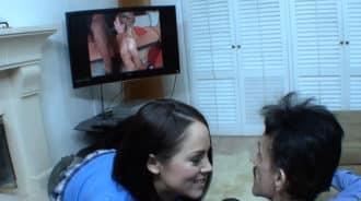 Si ves una peli porno con tu hija puede pasar esto