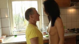 La jovencita sorprendió así a su abuelo