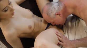 Follada por su padrastro